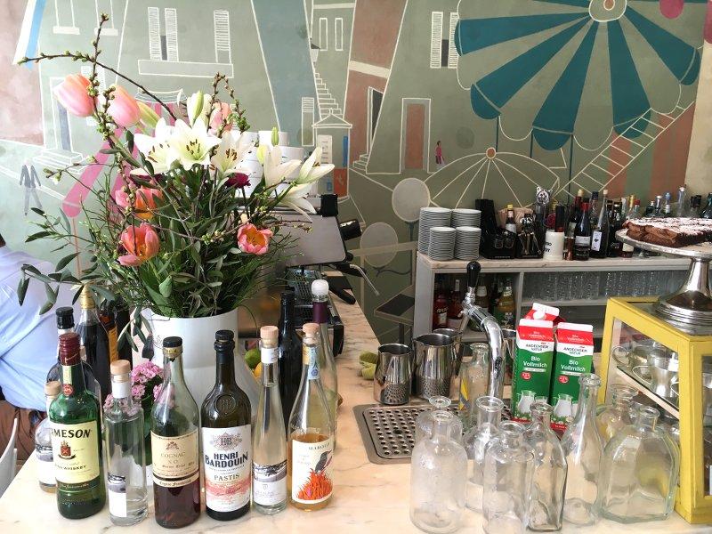 Tagesbar und Café Restauranttip in München Residenzstrasse Stereo