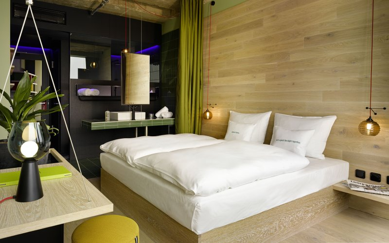 berlin bikini 25h hotel design hotel mit affentanz thewhynot. Black Bedroom Furniture Sets. Home Design Ideas