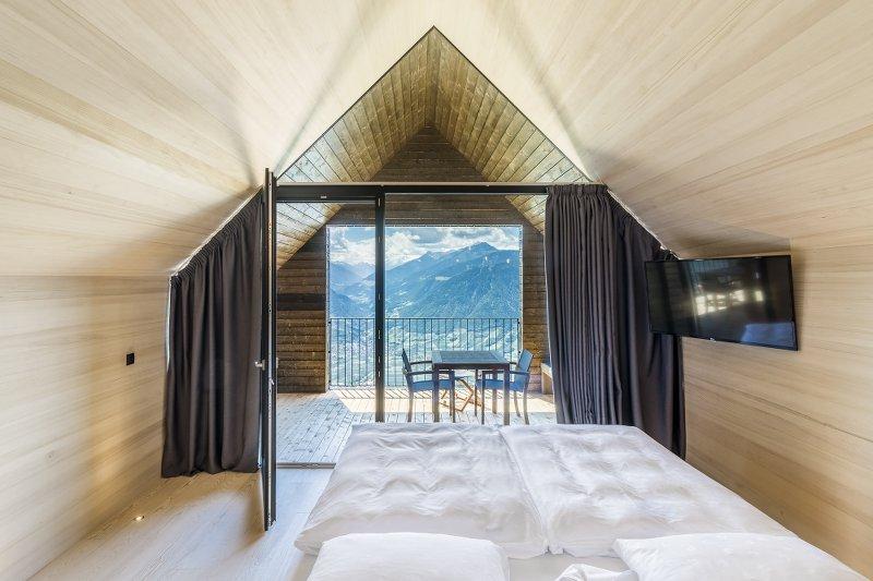 hafling meran miramonti hotel f r natur und architekturverliebte kosmopoliten thewhynot. Black Bedroom Furniture Sets. Home Design Ideas