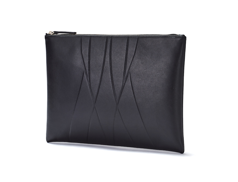 alesyaorlova_clutch_black_sideview