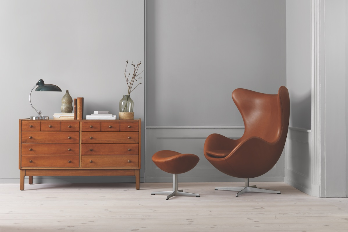 zu ostern egg von arne jacobsen thewhynot. Black Bedroom Furniture Sets. Home Design Ideas