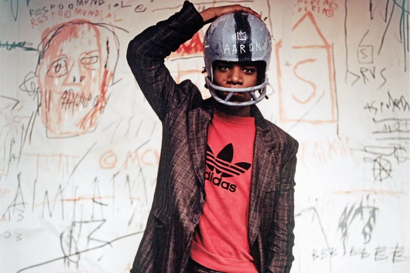 Schirn_Presse_Basquiat_Jean- Michel_Basquiat_wearing_an_American_football_helmet_1981.jpg Edo Bertoglio, Jean-Michel Basquiat wearing an American football helmet, 1981, Photo: © Edo Bertoglio, courtesy of Maripol, Artwork: © VG Bild-Kunst Bonn, 2018 & The Estate of Jean-Michel Basquiat, Licensed by Artestar, New York